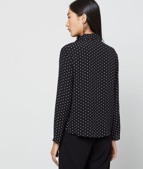 Blusa cuello con lazada estampado de lunares