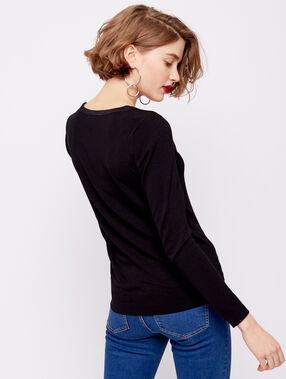 Jersey de punto fino con cuello abotonado negro.