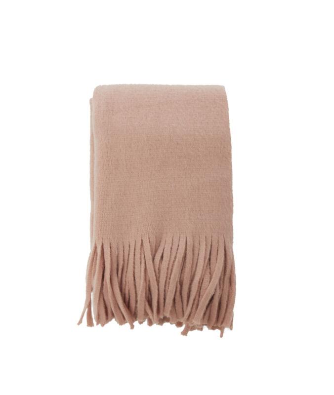Bufanda con flecos rosa pálido.