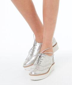 Zapatos cordones plataforma plateado.