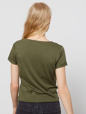 Camiseta anudada con bordado caqui.