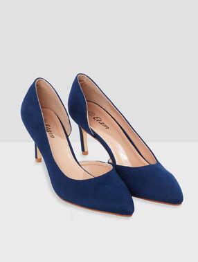 Zapatos de tacón azul marino.