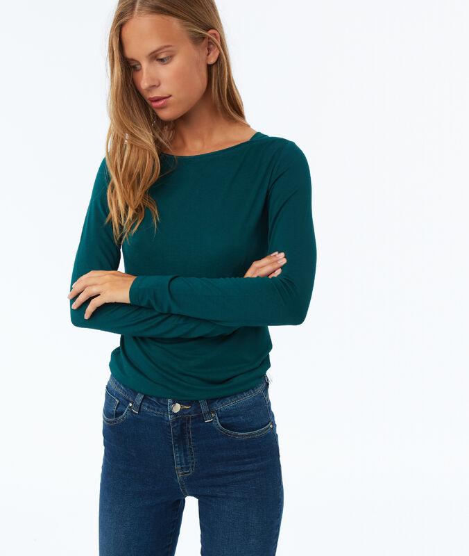 Jersey liso cuello barco verde.