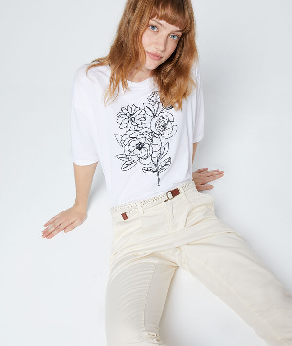 Camiseta bordada de rosas