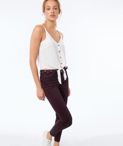 Pantalón estrecho efecto piel