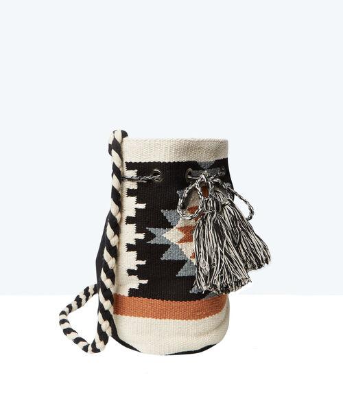 Bolso bombonera con estampado azteca
