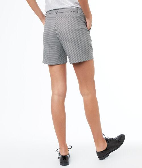 Pantalón corto recto