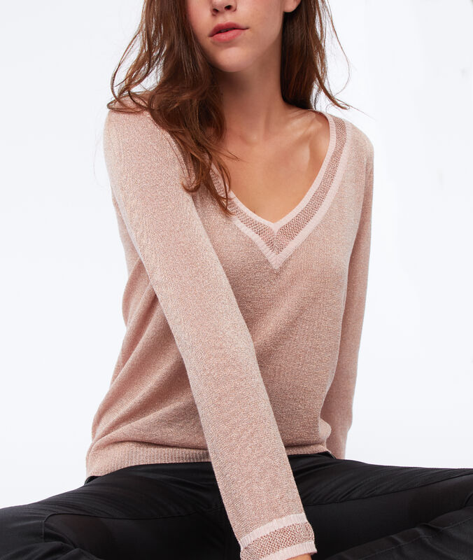 Jersey escote en v fibras metalizadas nude.
