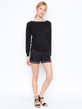 Pantalón corto vaquero con botones negro.