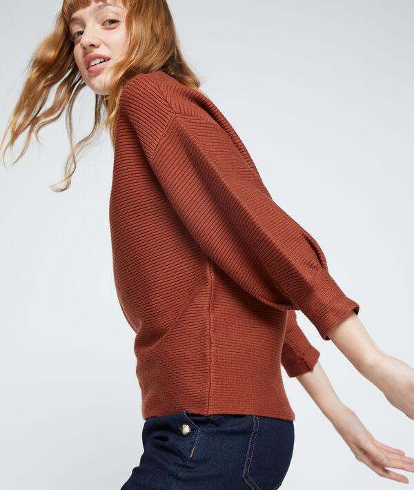 Suéter acanalado de manga larga
