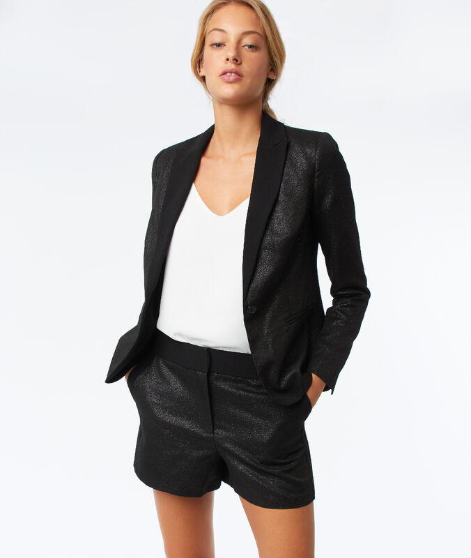 Pantalón corto efecto metalizado negro.