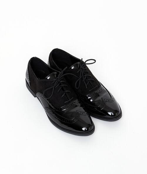 Zapatos de charol y efecto ante