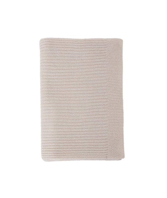 Bufanda fibras metalizadas rosa pálido.
