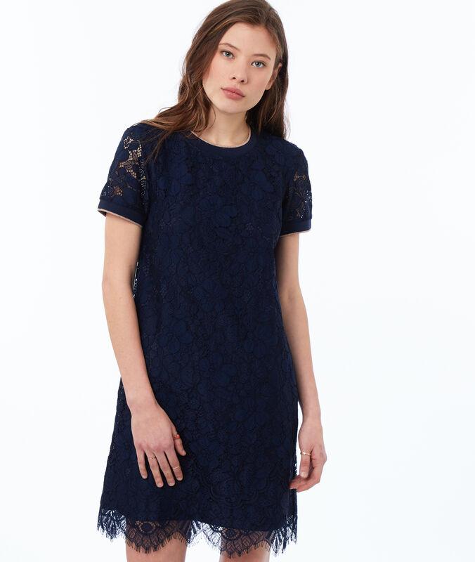 Vestido de encaje azul marino.