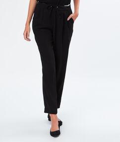 Pantalon fluide noué à la taille noir.