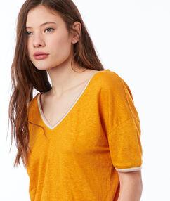 Camiseta lino escote en v c.ocre.
